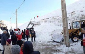 نجات پسر بچه ۱۱ ساله از بهمن در اسکو