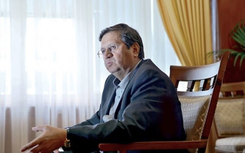واکنش رئیس کل بانک مرکزی به گران شدن ارز