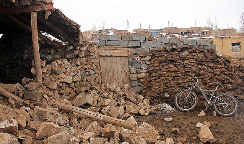 خسارتهای زلزله در قطور آذربایجان غربی (تصاویر)