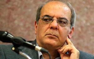 انتقاد عباس عبدی از انفعال خطرناک اصولگرایی
