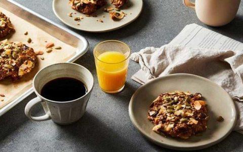خوردن صبحانه مفصل و شام سبک به کاهش وزن کمک می کند
