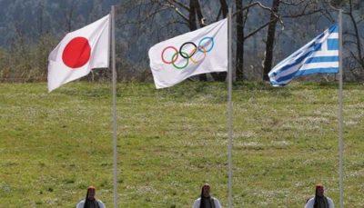 روشن شدن مشغل المپیک (عکس)