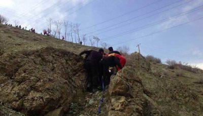 سقوط بانوی جوان از ارتفاع ۱۰۰ متری در کوهستان