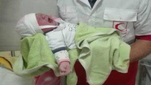 تولد نوزاد عجول شاهرودی در آمبولانس اورژانس در روزهای کرونایی