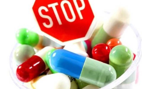 هشدار درباره خوددرمانی و مصرف خودسرانه دارو هنگام شیوع کرونا