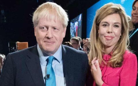 کرونا در بریتانیا، جانسون در مرخصی زایمان