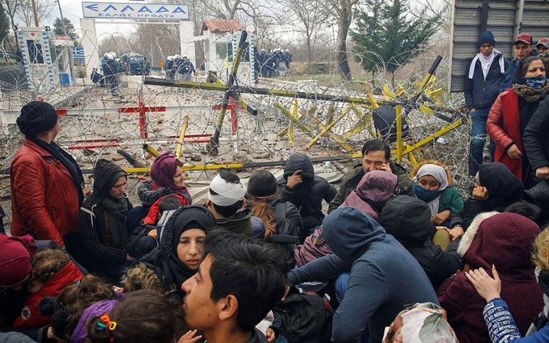 تصاویر دردناک از پناهجویان سرگردان در مرز ترکیه و یونان