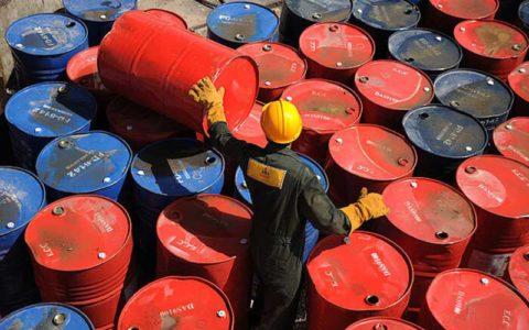 ایران چند بشکه نفت در روز تولید میکند؟