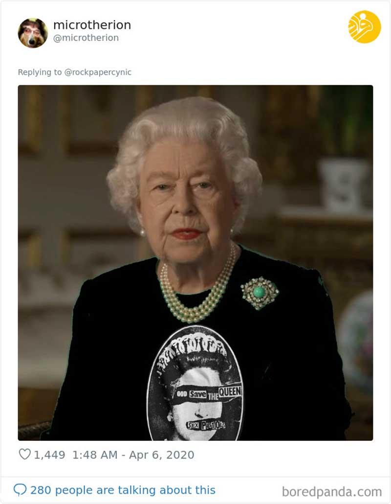 شوخی با لباس ملکه انگلیس! (تصاویر)