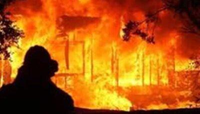 آتشسوزی انبار پارچه در محله مولوی