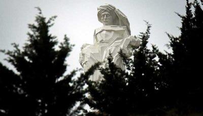 بزرگترین مجسمه ایران کجاست؟/ تصاویر
