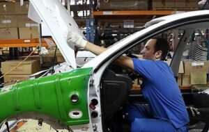 طفره خودروسازان از پذیرش قیمت های شورای رقابت/رایزنی ها ادامه دارد