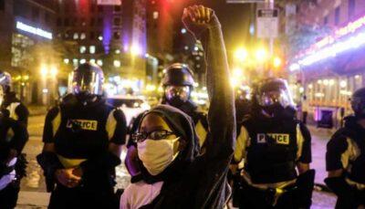 پلیس مینیاپلیس علیه معترضان به استفاده از گاز اشکآور متوسل شد معترضان, گاز اشکآور, مینیاپلیس