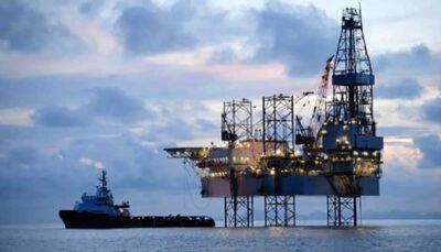 کویت و عربستان تولید نفت از میدان نفتی مشترک را متوقف میکنند