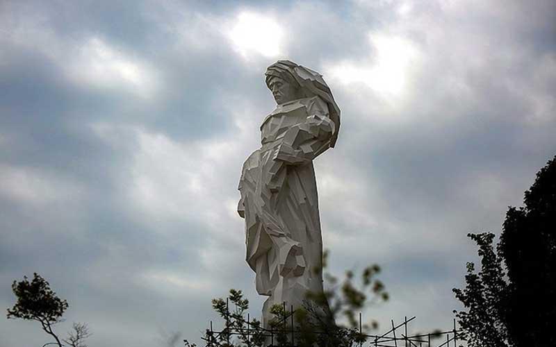 0010 مجسمهساز کردستانی, بزرگترین تندیس, جنگ تحمیلی