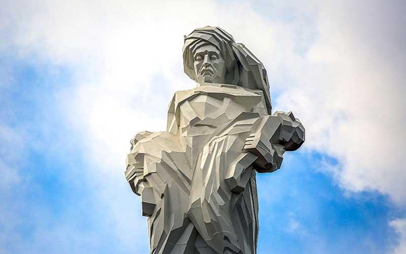 006 مجسمهساز کردستانی, بزرگترین تندیس, جنگ تحمیلی