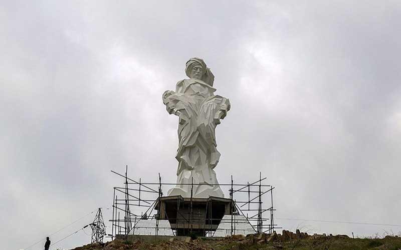 009 مجسمهساز کردستانی, بزرگترین تندیس, جنگ تحمیلی