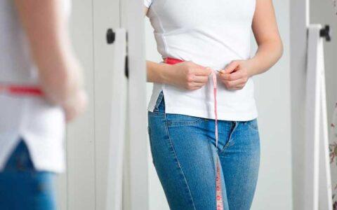 2 تمرین عالی برای رهایی از چربیهای شکم / عکس