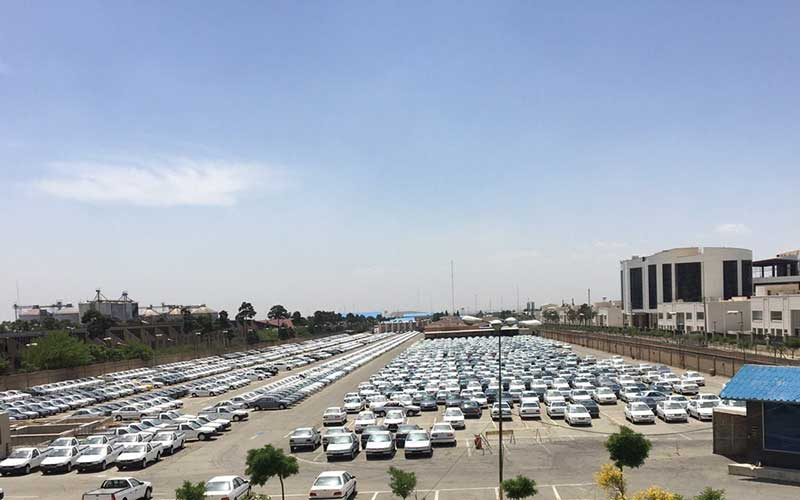 آیا دپوی ۳۰۰۰۰ خودرو توسط خودروسازان مصداق روشن احتکار نیست؟! / تصاویر