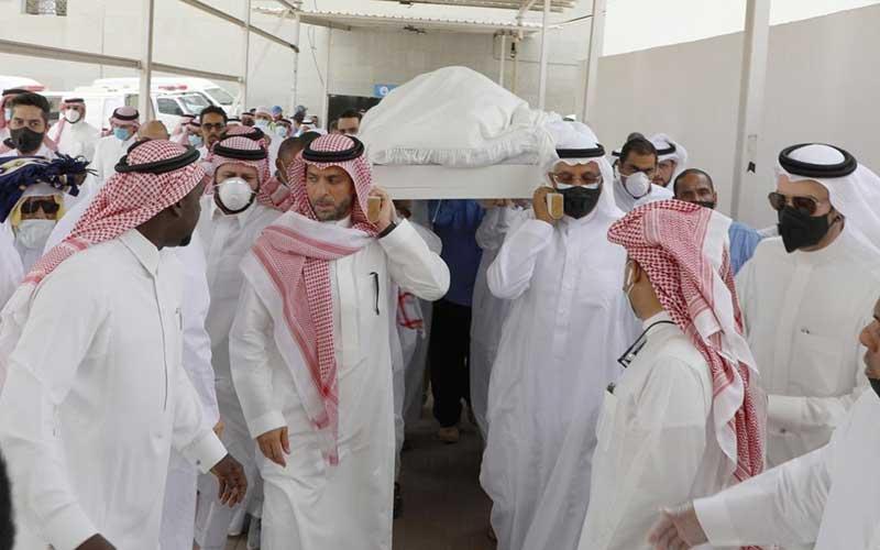 ماجرای جنجالی دفن یک تاجر در قبرستان بقیع /تصاویر
