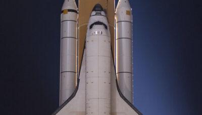 لحظه فرود شاتل فضایی دیسکاوری در آمریکا