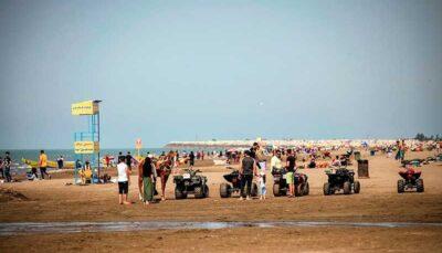 خوشگذرانی در ساحل مازندران و بوشهر بوشهر, گردشگران, مازندران