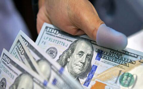 دلار ۲۰۰ تومان گران شد/ ورود یورو به کانال ۲۱ هزار تومان