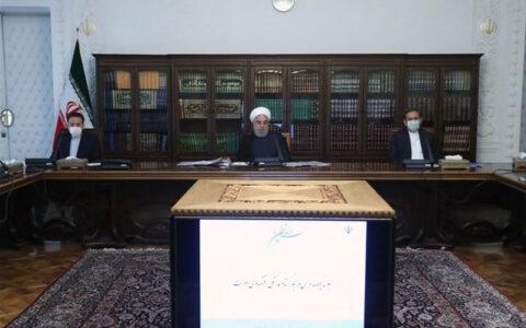 روحانی: بانک مرکزی متخلفان ارزی را به مردم معرفی کند