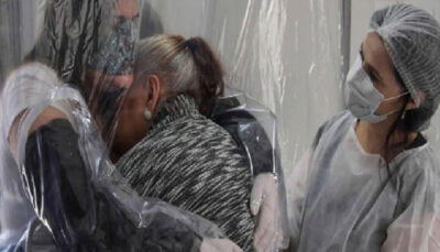 عایق آغوش کرونایی به بازار آمد ویروس کرونا, سالمندان, پوشش نایلونی
