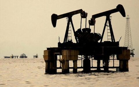 عربستان دکلهای نفتی فراساحلی خود را غیرفعال کرد