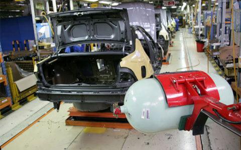  مدیر عامل ایران خودرو: به زودی، مشکل شماره گذاری خودروهای 2گانه سوز رفع می شود/ به روزآوری تعهدات معوق ایرانخودرو تا شهریور
