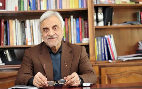 هاشمیطبا: احمدینژاد فکر میکند عیسی مسیح است!