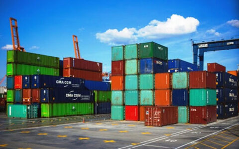 ۱۲۰ میلیون دلار کالا از گمرکات استان مرکزی به خارج از کشور صادر شد
