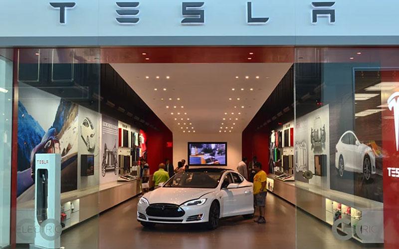 تسلا مدل اس؛ اولین خودروی الکتریکی با ظرفیت پیمایش بیش از ۶۵۰ کیلومتر