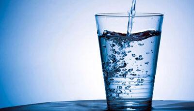 تاثیر زمان نوشیدن آب بر بدن