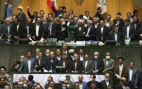 لاجوردی: برخی نمایندگان مجلس دهم خانههای سعادتآباد را ترک نمیکنند
