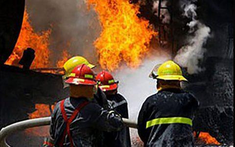 نجات 9 زن و مرد از میان شعله های آتش در مشهد