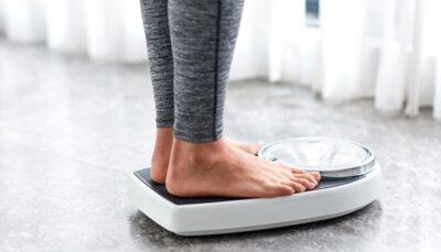 چگونه در یک هفته 25 کیلو وزن کم کنیم؟ رژیم غذایی, اضافه وزن, خوردن کمتر