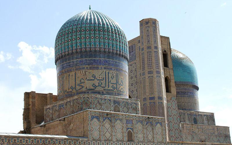 100 8 مساجد, گردهمایی مسلمانان