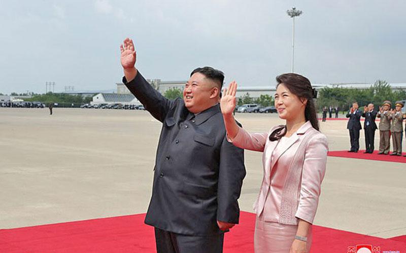 خشم رهبر کره شمالی از دیدن تصاویر زننده همسرش در شبنامه جنوبیها