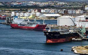 بیخبری مسئولان از توقیف کشتی ایران پاکستان, نفتکش ایرانی, تحریمهای آمریکا