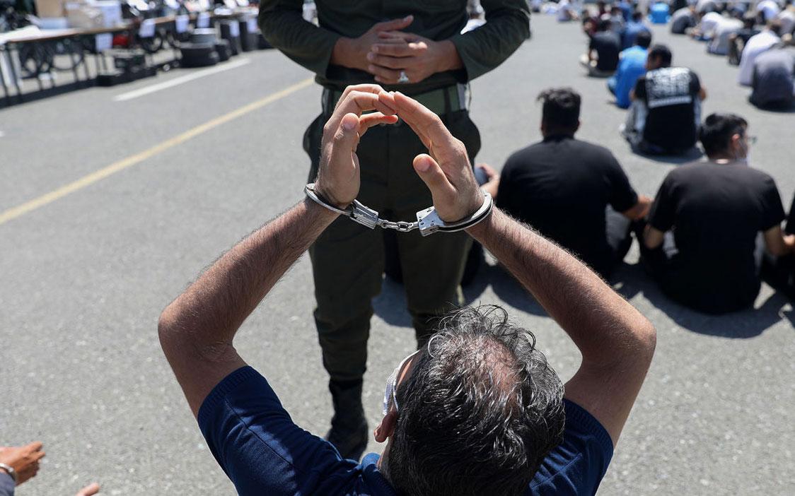 تصاویری از خلافکاران و تجهیزات جنگی پیشرفته شان بیخ گوش تهران