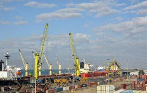 طرح دو فوریتی نمایندگان برای الزام دولت به جلوگیری از واردات غیر ضروری