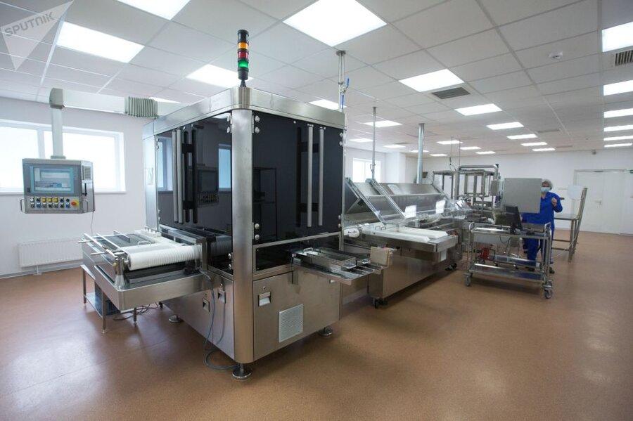 تصاویر مراحل تولید واکسن روسی کرونا در مسکو