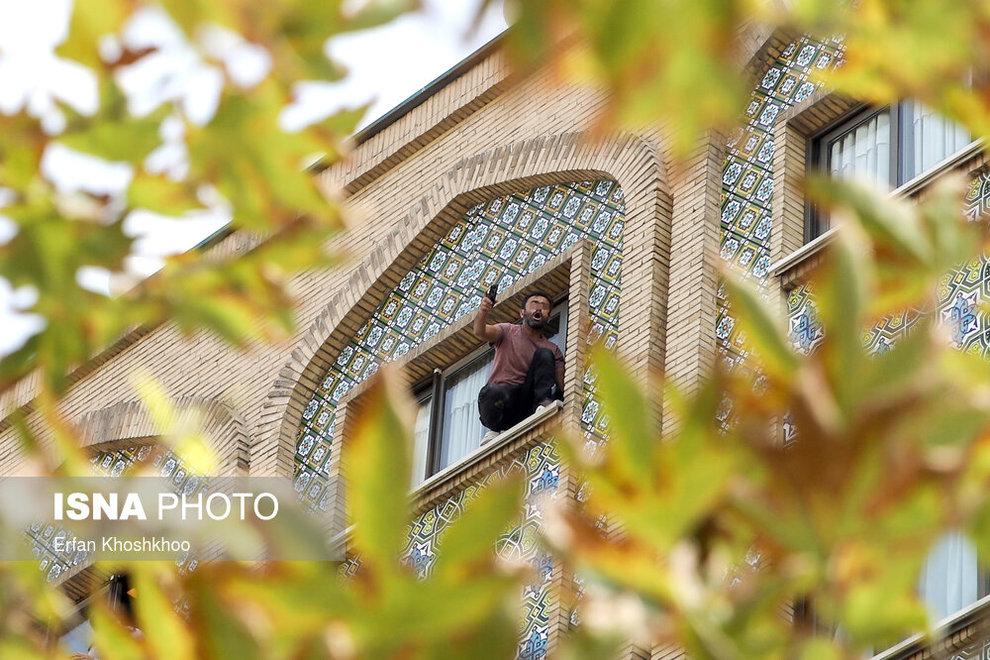resized 735616 989 خودکشی, هتل فردوسی تهران