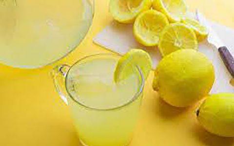 نوشیدن آب و لیموی ناشتا، معجزه میکند آب و لیمو