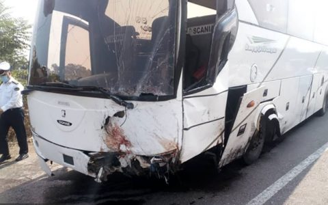 ۲ کشته و ۲۵ مصدوم به دلیل واژگونی اتوبوس