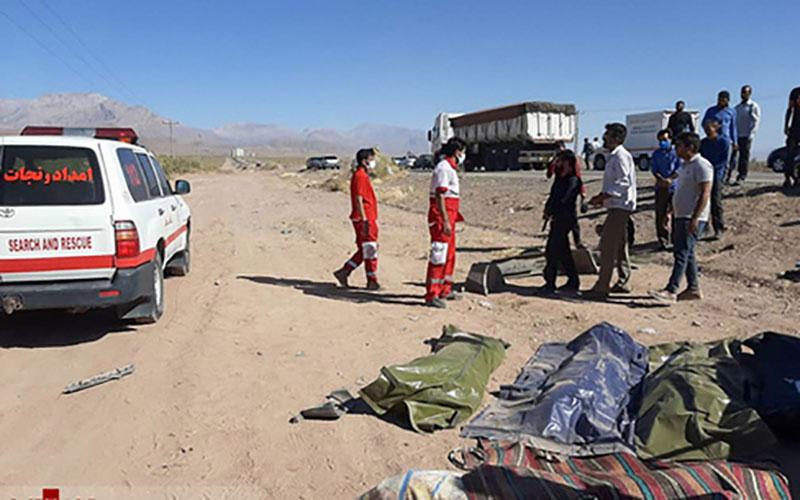 ۷ کشته در تصادف پراید و پژو در جاده کرمان - ماهان /عکس