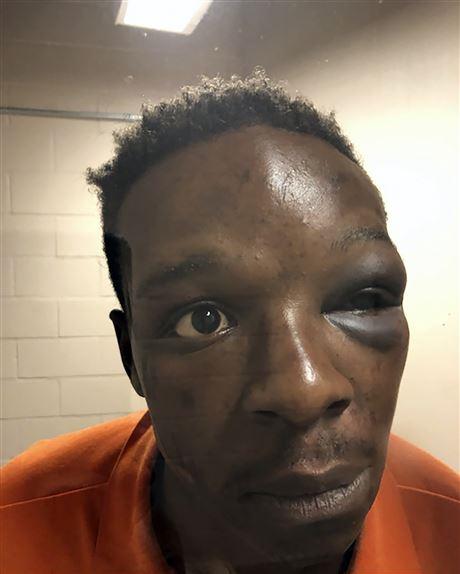 ضرب و شتم یک سیاهپوست به دست پلیس آمریکا مقابل چشم خانوادهاش /عکس و فیلم