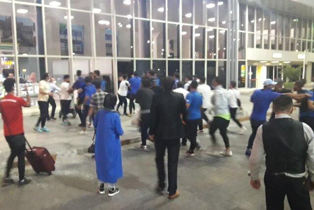 بلوای بامدادی در فرودگاه مهرآباد/ از حمله نافرجام به مجیدی تا کتککاری بازیکنان با افراد ناشناس